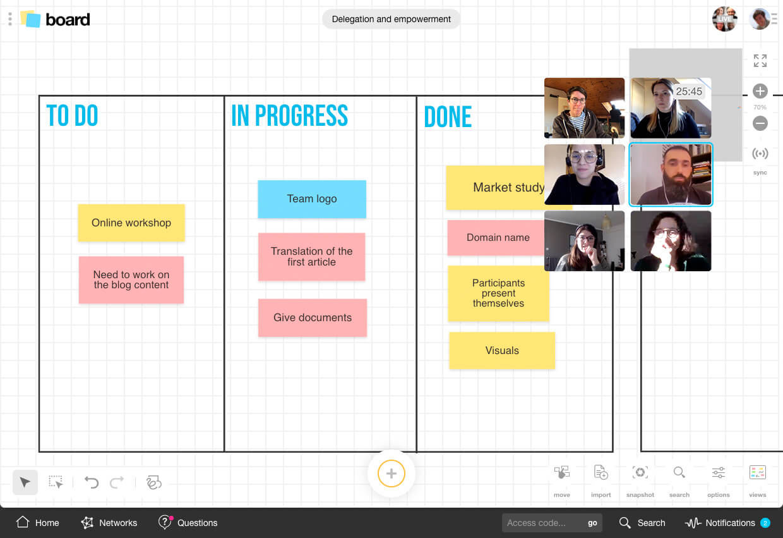 Workshop Scheider Electric: Vladimir Kelava uses a digital whiteboard | Klaxoon