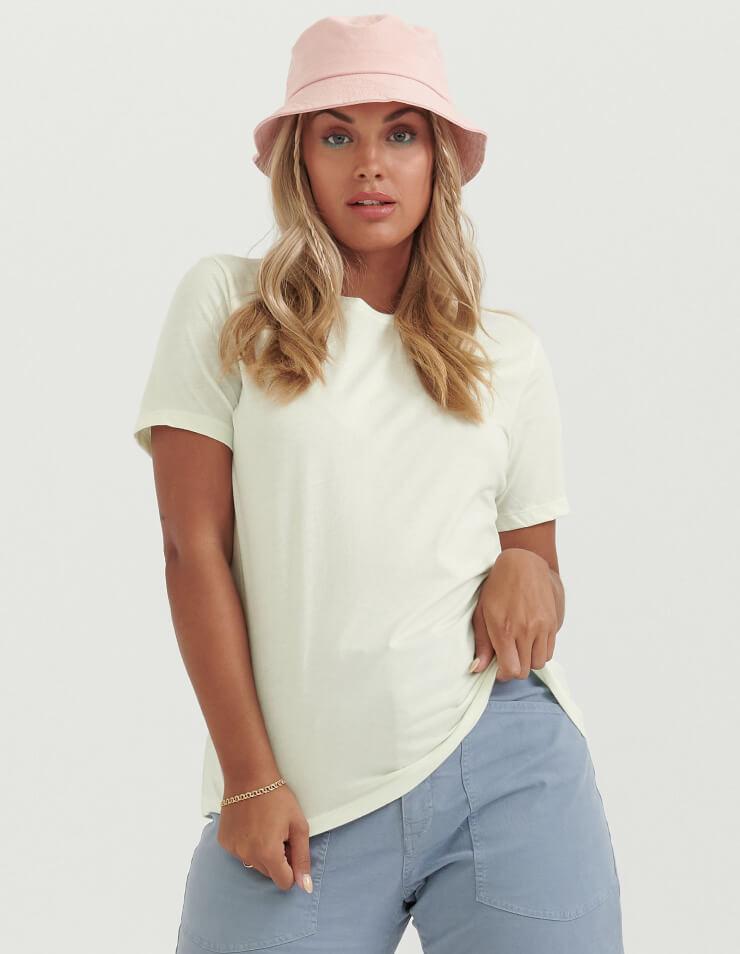 6400 Women's Relaxed Jersey Short Sleeve Tee