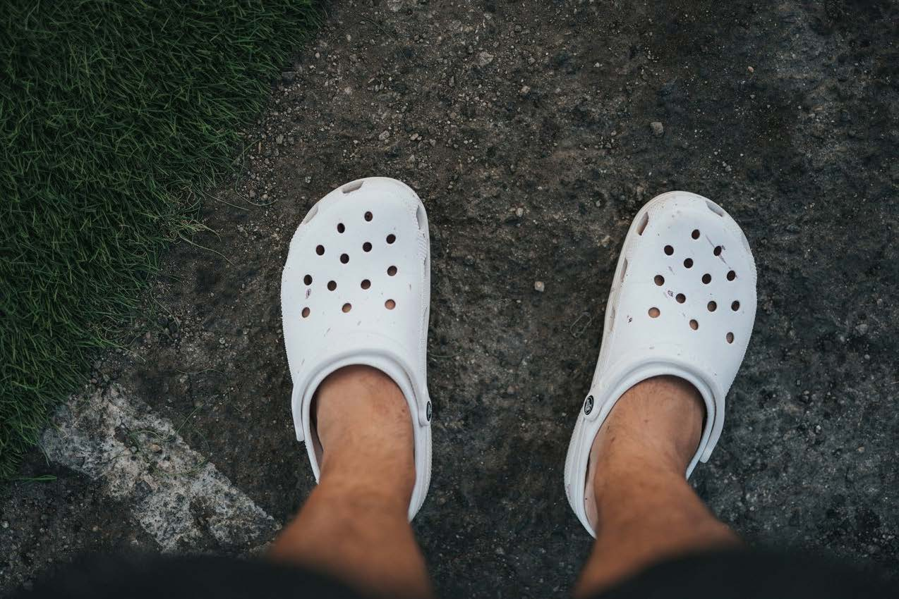 crocs from above on dirt