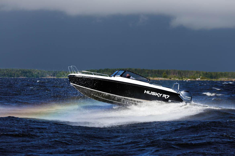 Husky R7