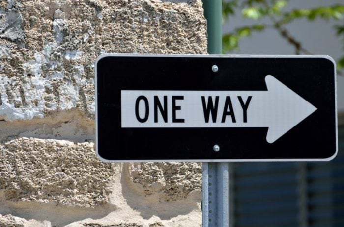 one-way-sign-1434558486ukg