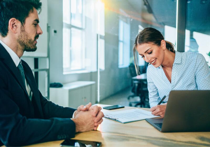 Personas que trabajan en la firma de contabilidad