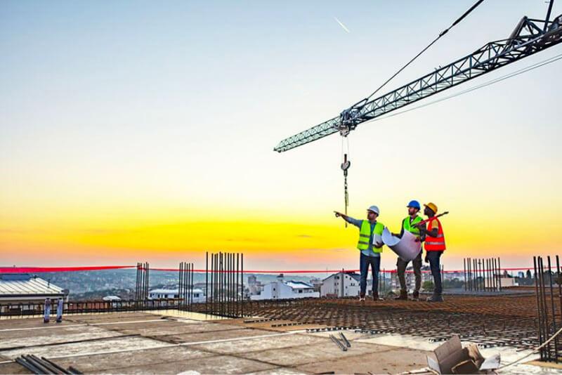 contratistas trabajadores de la empresa de construcción