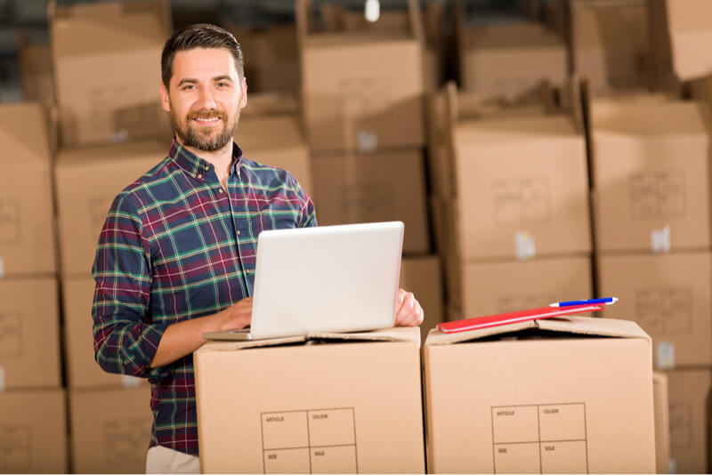 Inventario del distribuidor en el estante