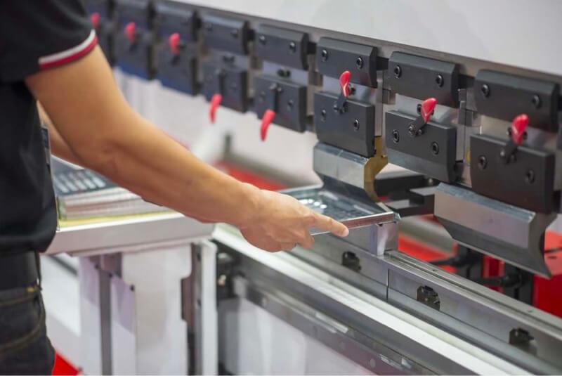 Fusión y adquisición de fabricantes de metales