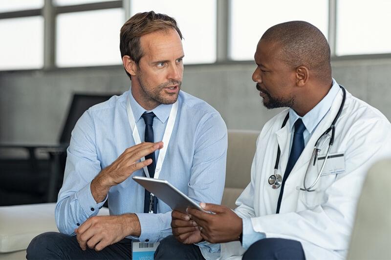 Personal médico en facturas de factoraje