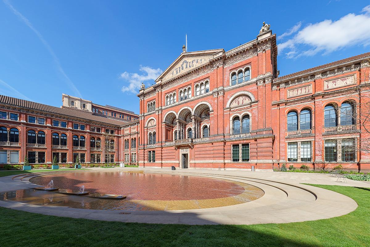 V&A building from outside perspective.
