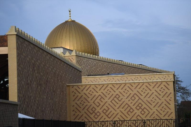 Cambridge Central Mosque wins prestigious RIBA award for Building of the Year