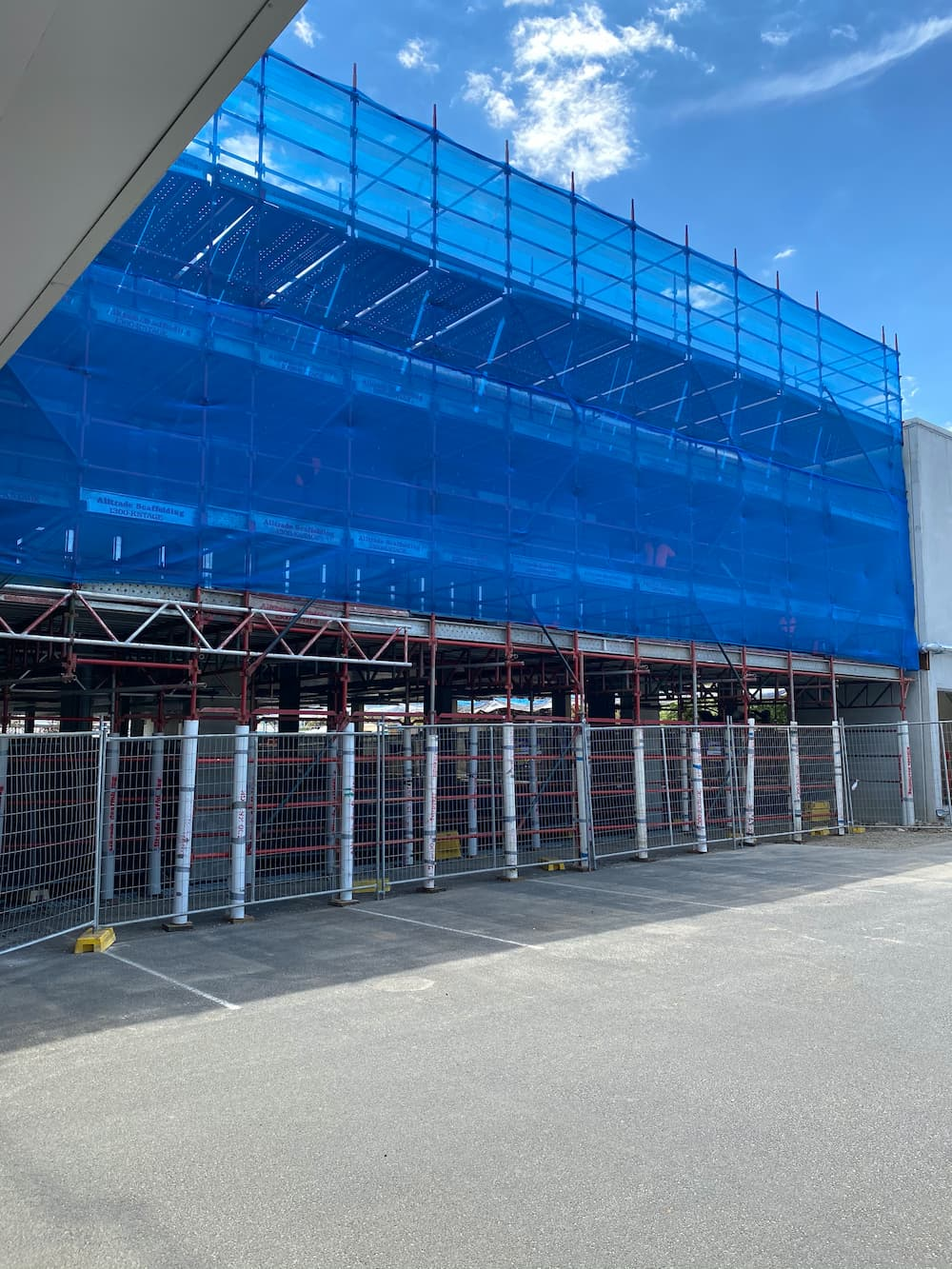 Do I need to insure the scaffolding on my building site?