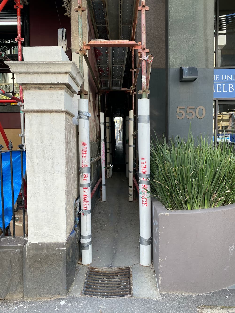 Tight space scaffold walkway in Melbourne
