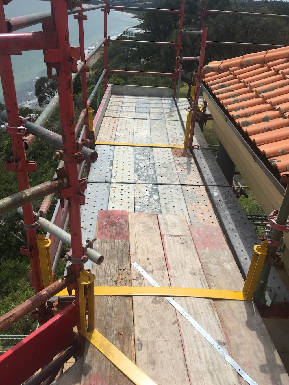 Re-roofing scaffolding on residential property