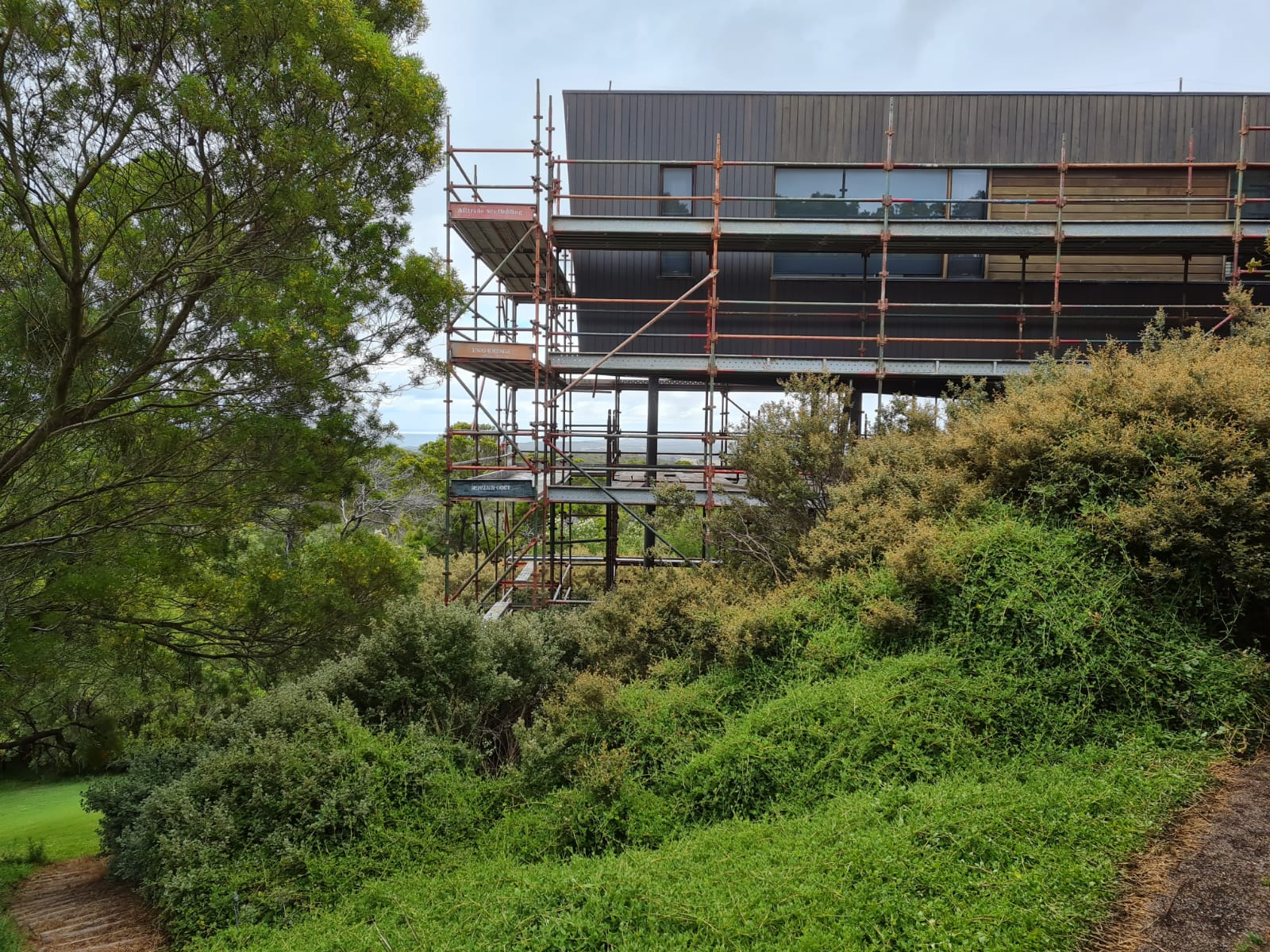 residential scaffolding on slope