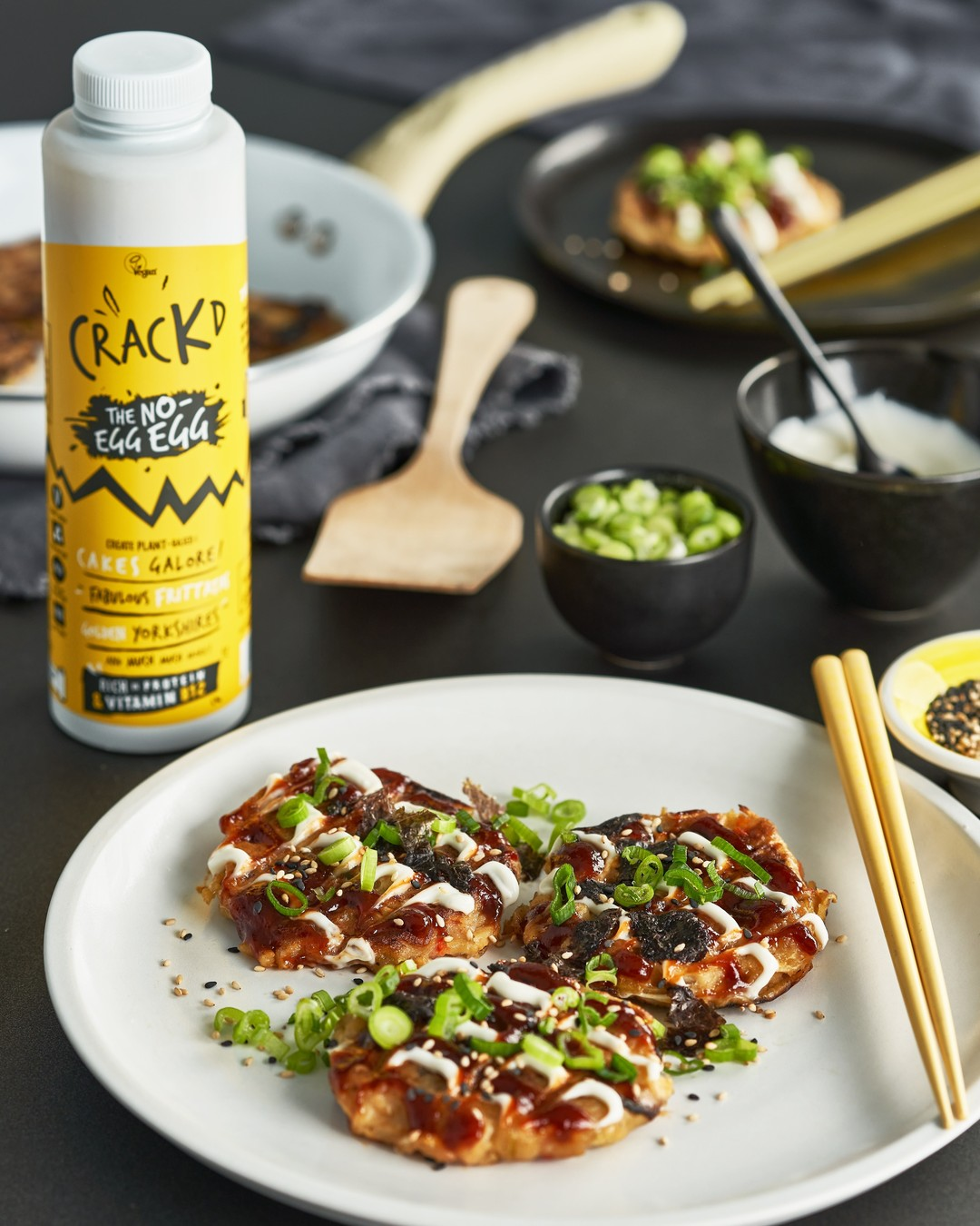 Hold up a minute...is that Japanese Okonomiyaki? And it is made with Crackd? And so it is vegan and delicious?? Tooooooooooo right it is! and you can make it yourself with the recipe on our website😏