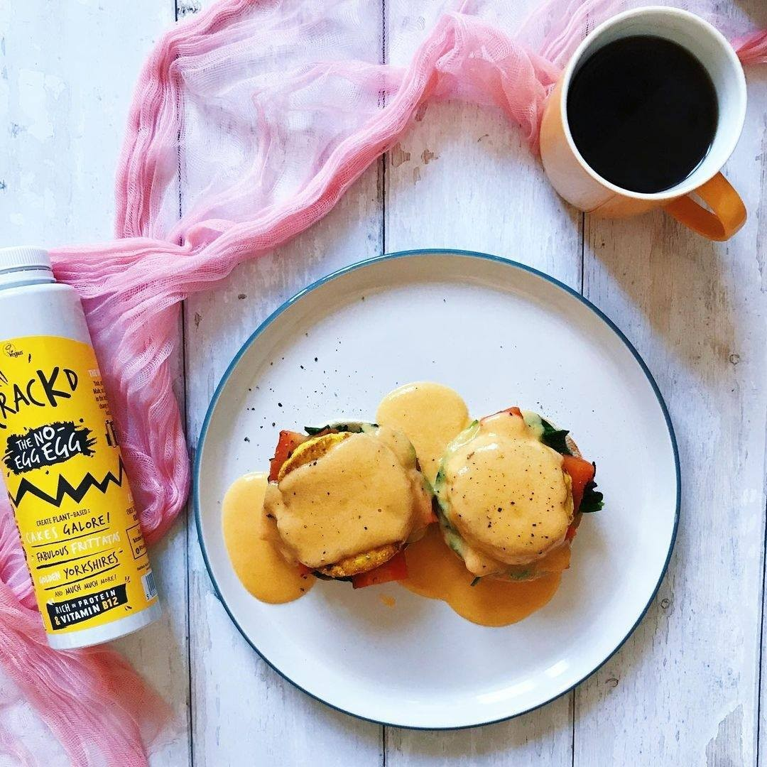 We love to see your Crackd creations, this Vegan Eggs Royale by @savouryspoonful is giving us the brunchtime feels 😋. And did we mention the hollandaise sauce is made from our very own recipe? Find it on our website!