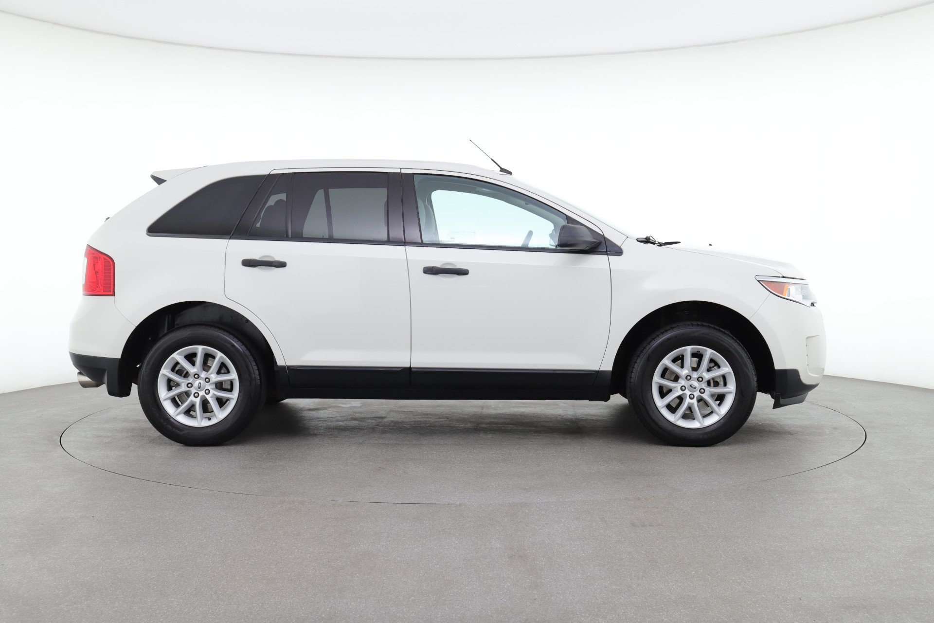 Ford Edge SE (from $12,450)