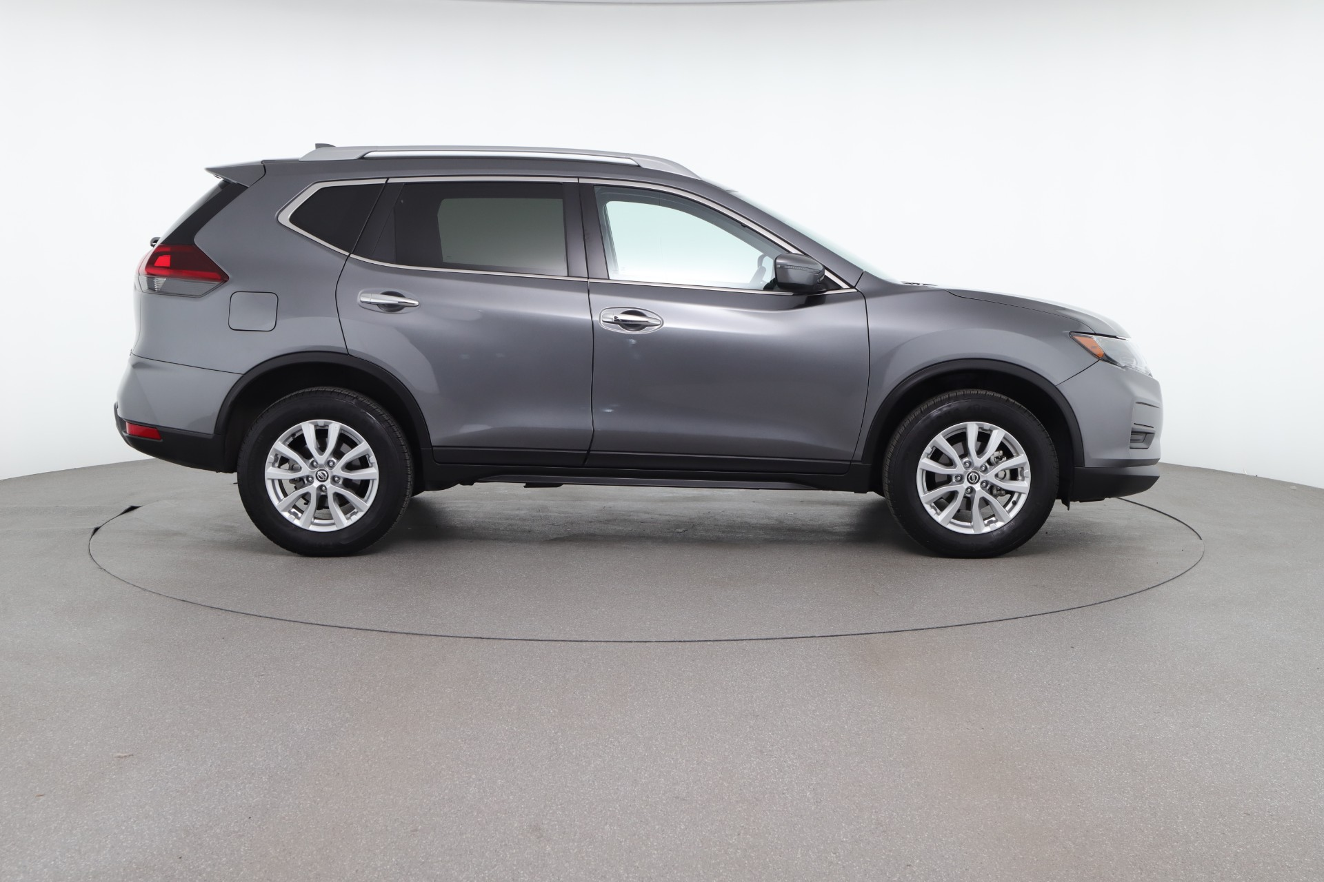 How Much is a Nissan Rogue? Models, Price and Reviews