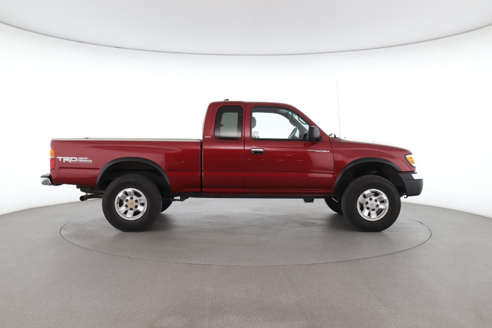 Toyota Tacoma vs. Chevrolet Colorado: Find Out Which Truck is Better