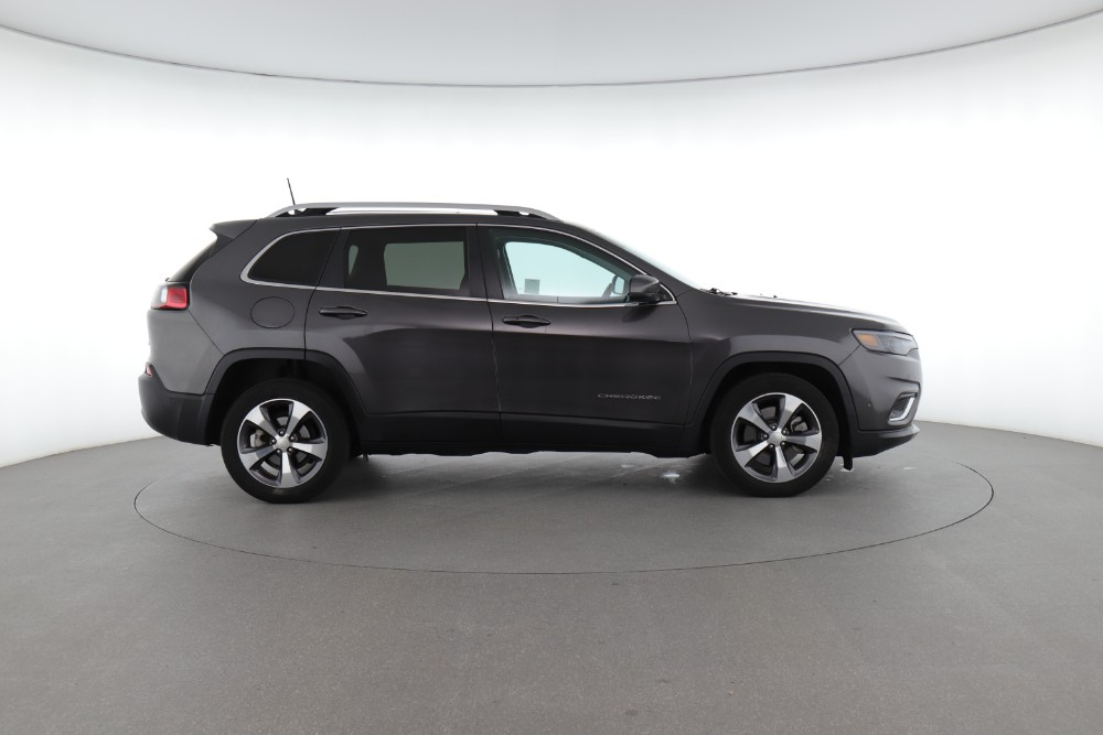 Jeep Compass vs. Cherokee: Which Crossover is Better for You?