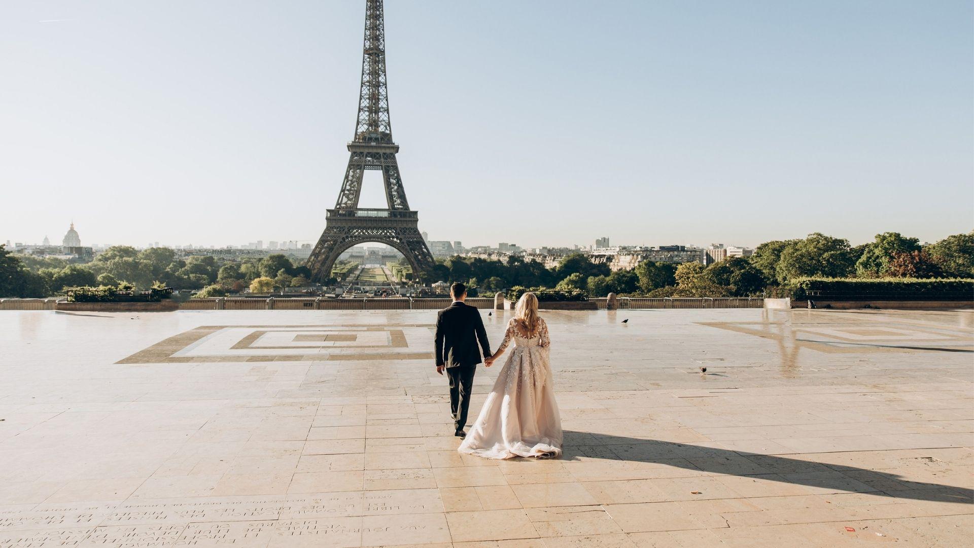 Les mariés se disent oui à Paris