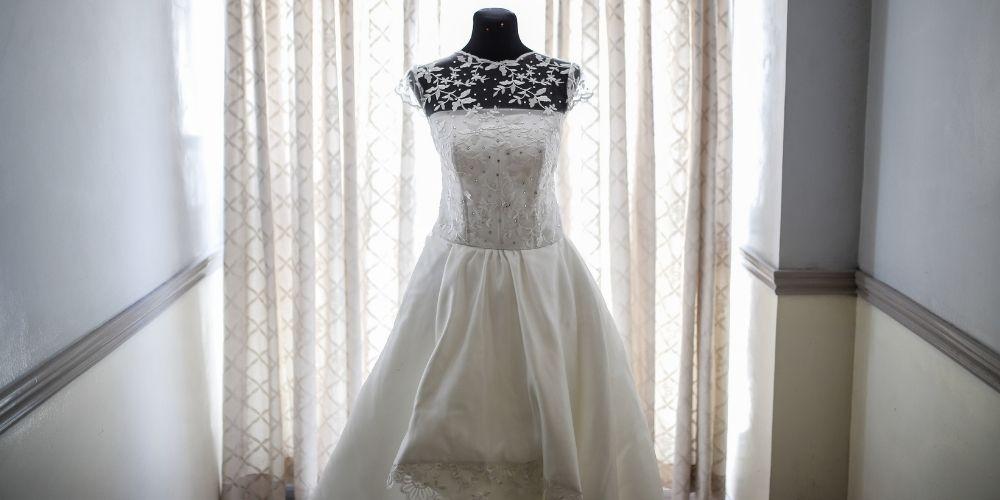 Photo d'une robe de mariée, dont le prix varie beaucoup