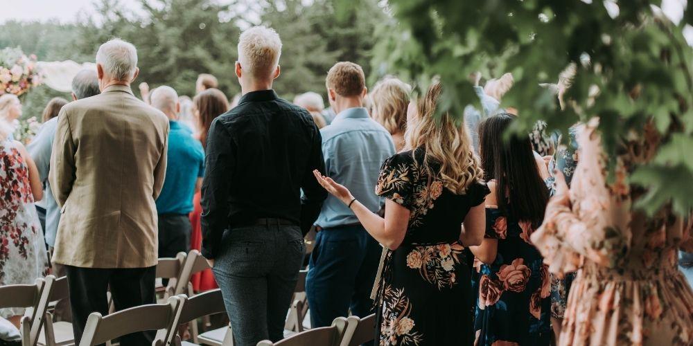 La wedding planner inclut dans son prix l'organisation de la cérémonie