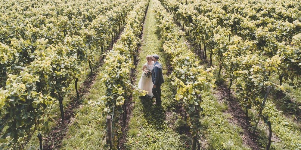 Prise de vue aérienne d'un mariage via drone