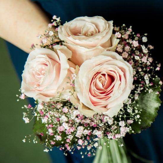 Photo du bouquet et des alliances