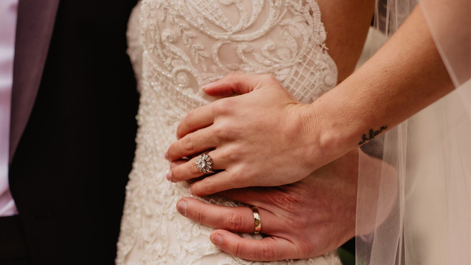 Les mariés posent à Briançon