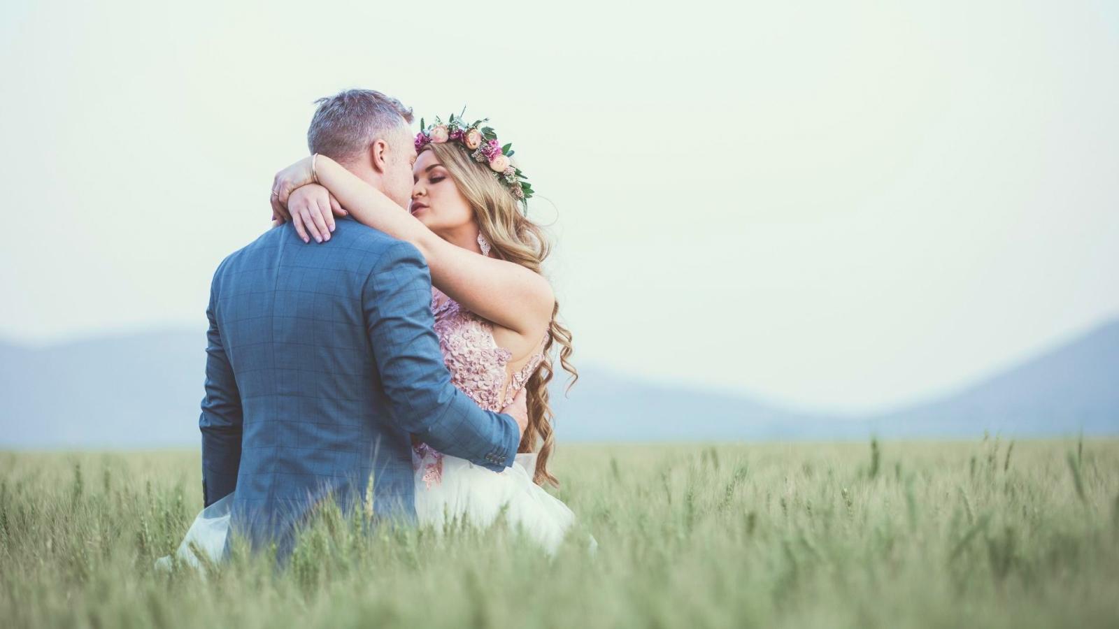 Un couple de mariés à Cagnes-sur-Mer