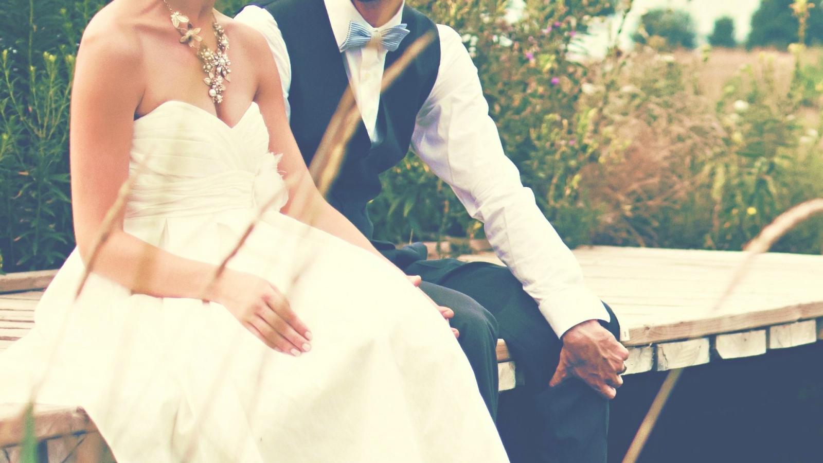 Un couple de mariés à Cergy