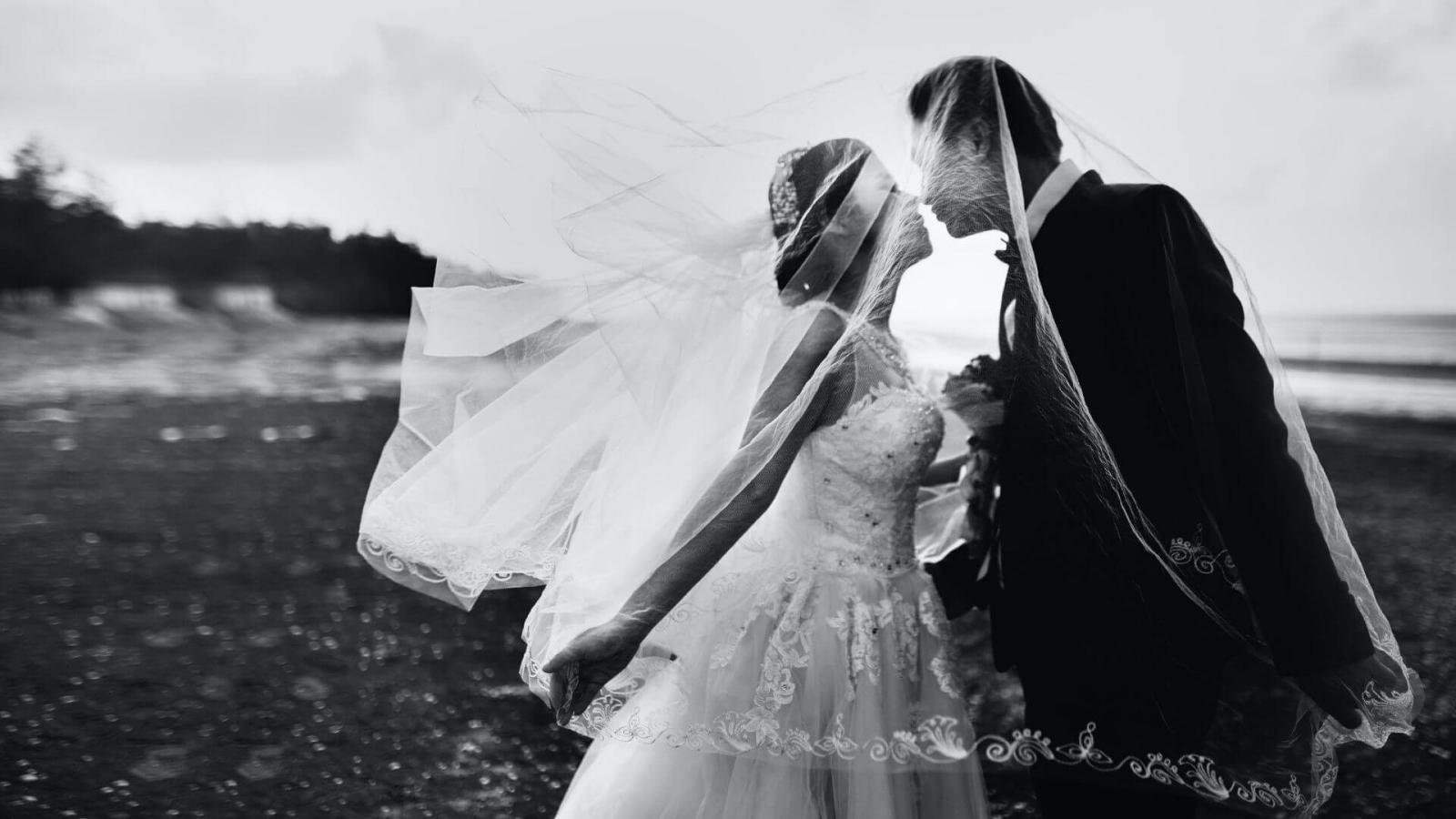 Un couple de mariés à Chalon-sur-Saône