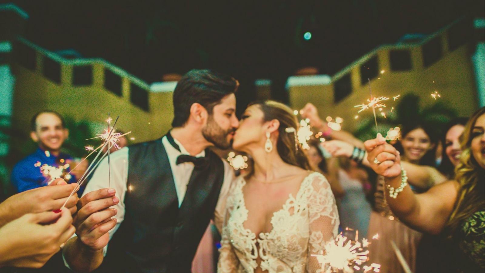 Photo des mariés se trouvant à Concarneau