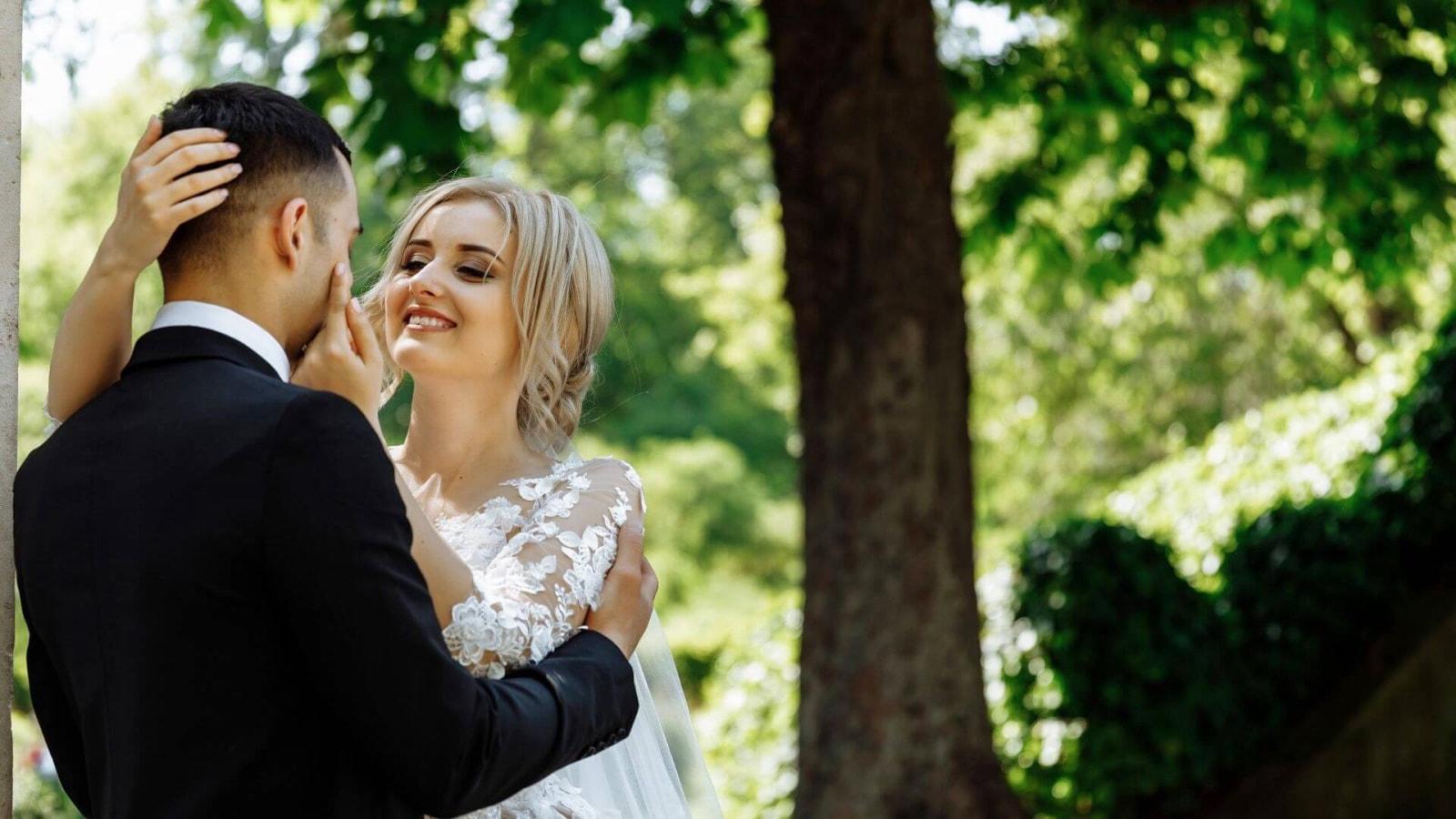 Une photo des deux mariés à Miramas