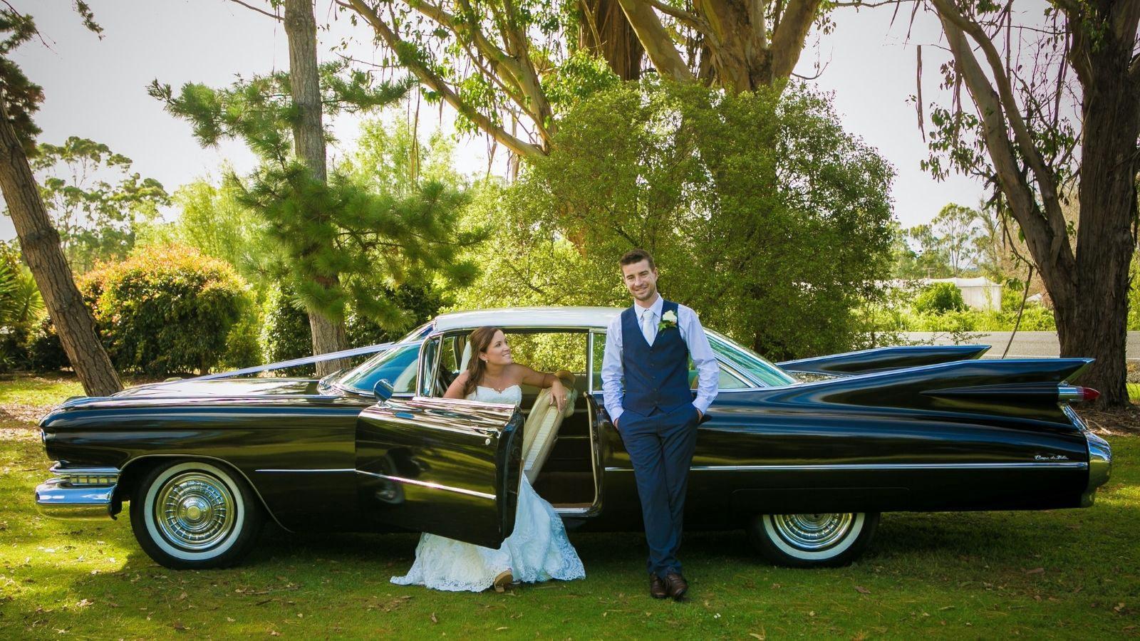 Une photo des mariés se trouvant à Mortagne-au-Perche