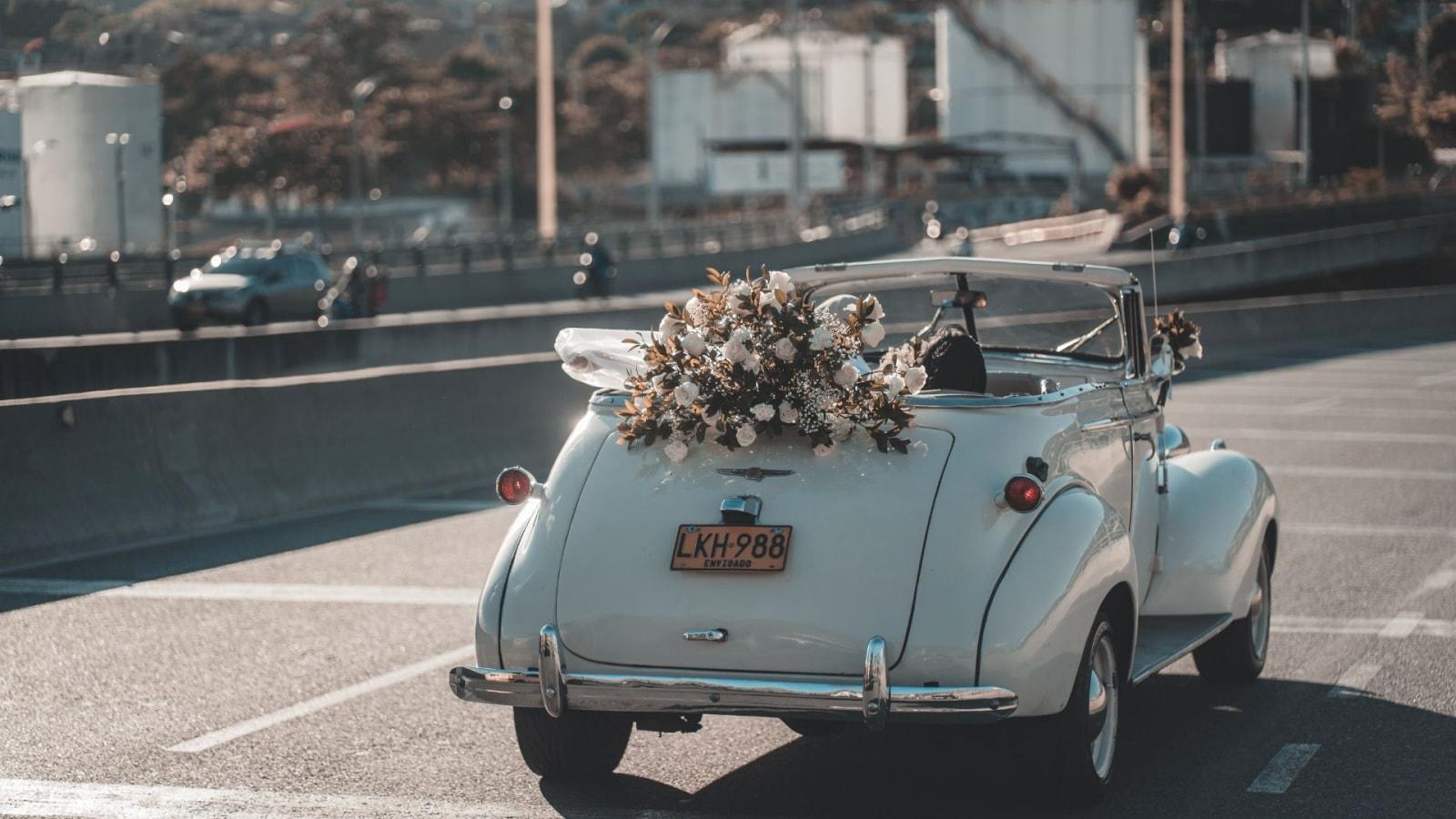 Les mariés célèbrent leur union à Orange