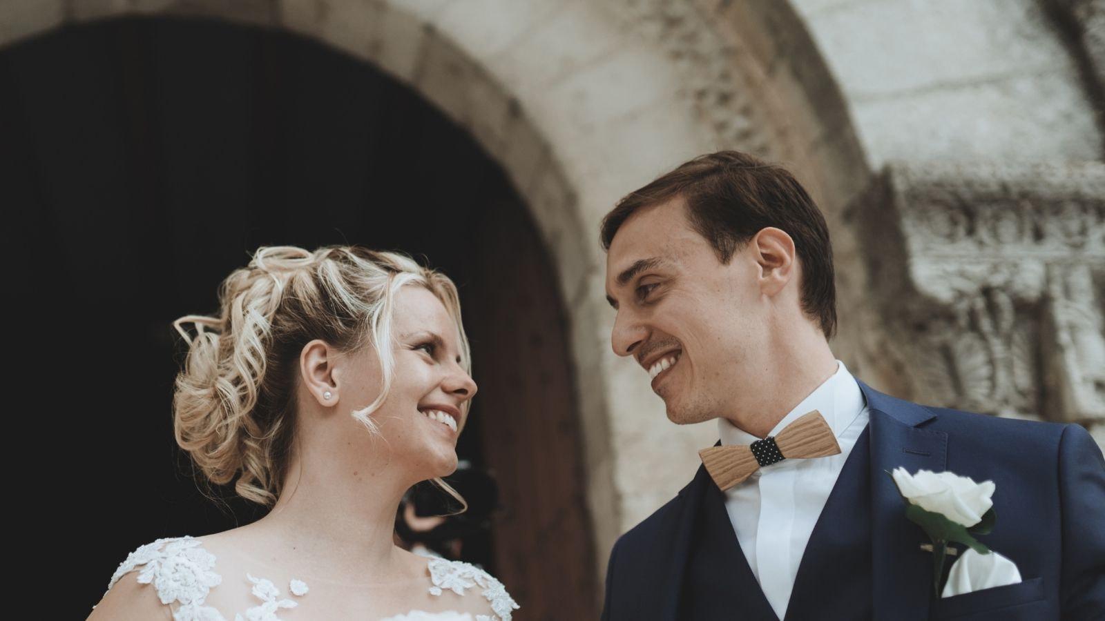 Vue des mariés ensemble à Vernon