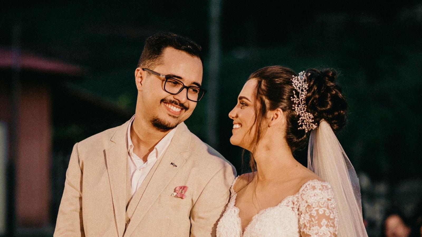 Les deux mariés dans la Drôme
