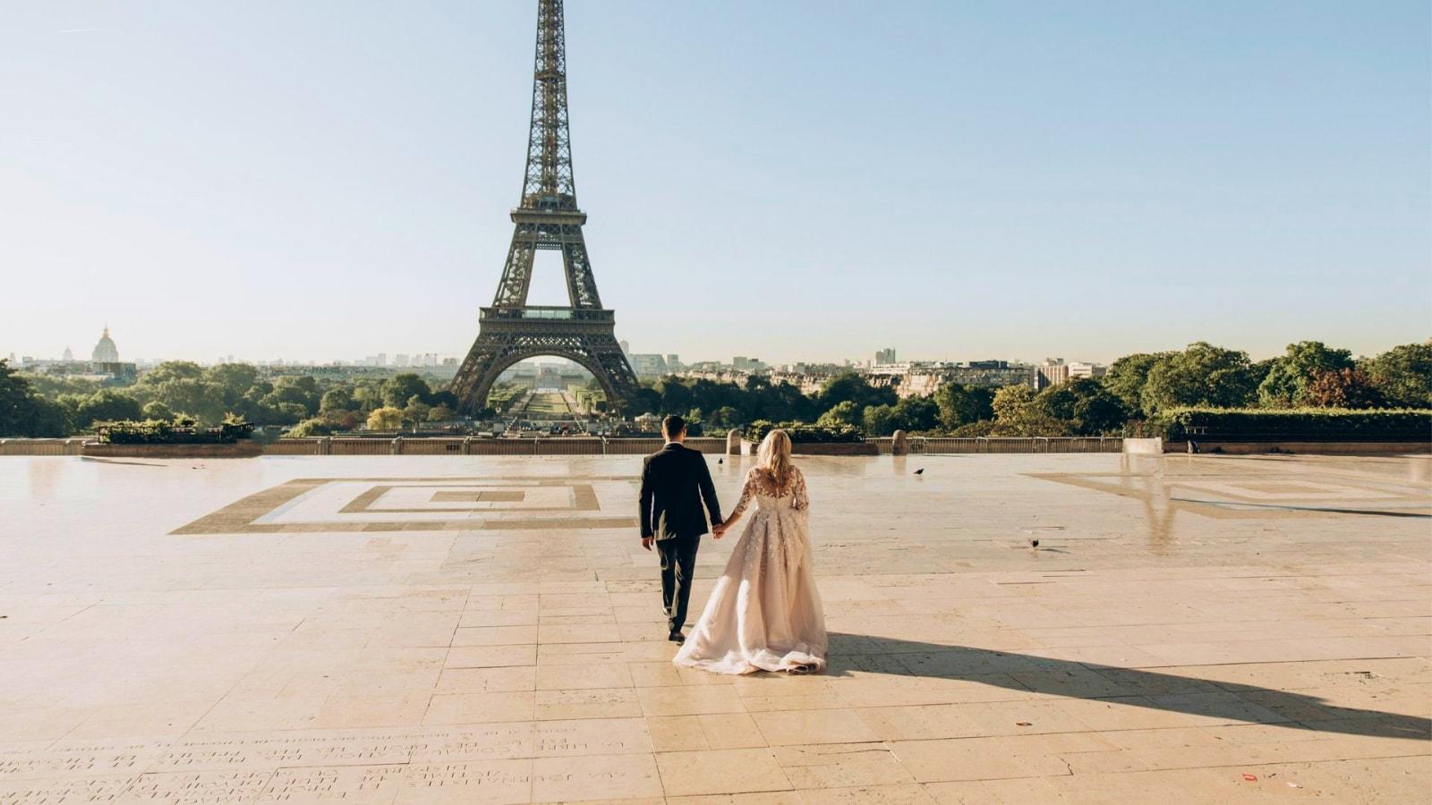 Une photo des mariés dans le Vaucluse