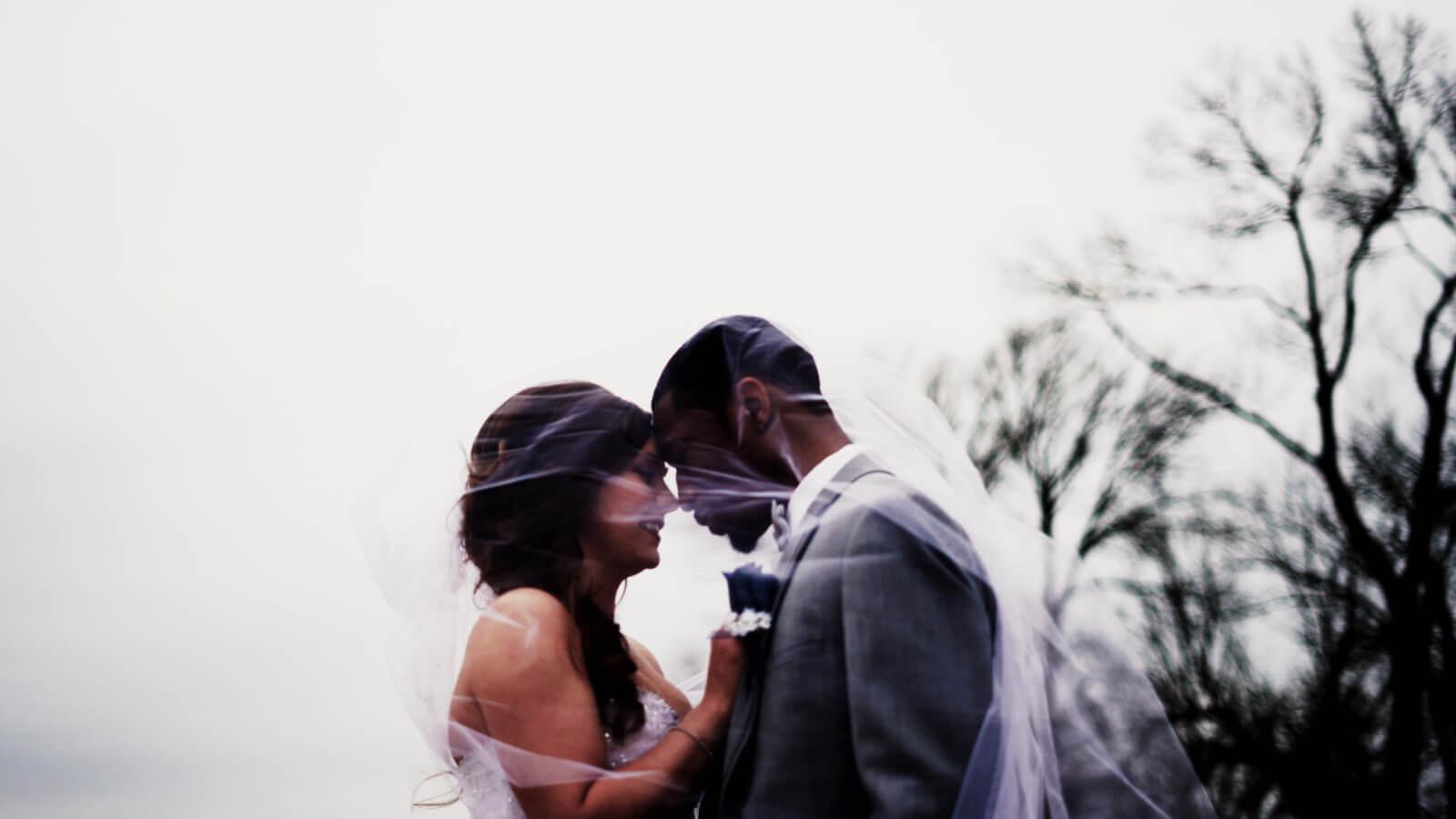 Les mariés se tiennent la tête à Clermont-Ferrand