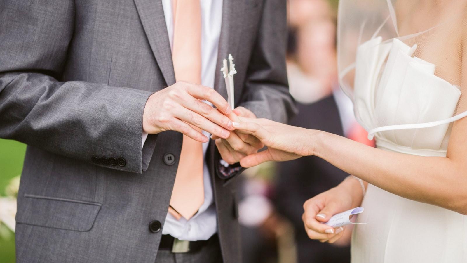 Les deux mariés à Antibes