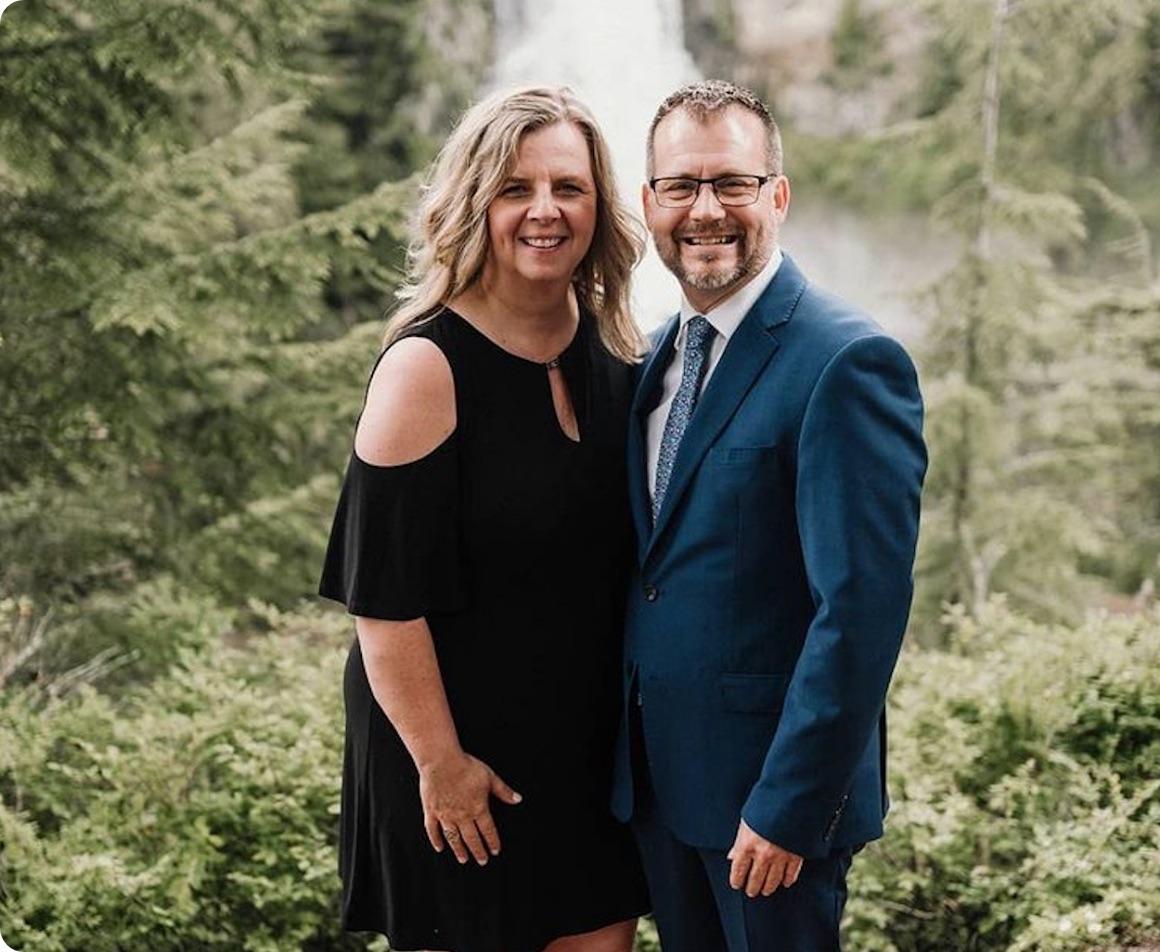 A photo of pastor Derrick and Sara-Lee