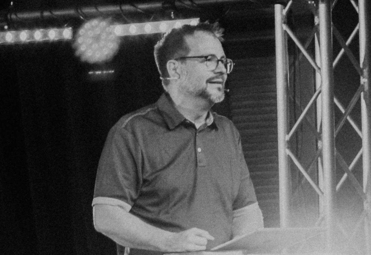 pastor derrick preaching