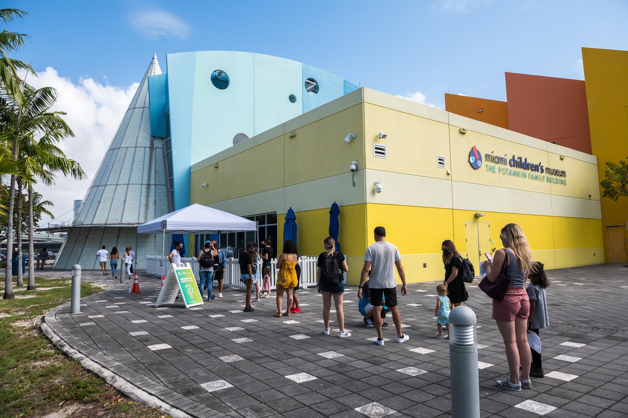Miami Children Museum line outside