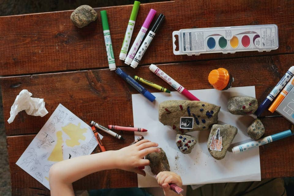 Kid Crafting, by Sigmund from Unsplash