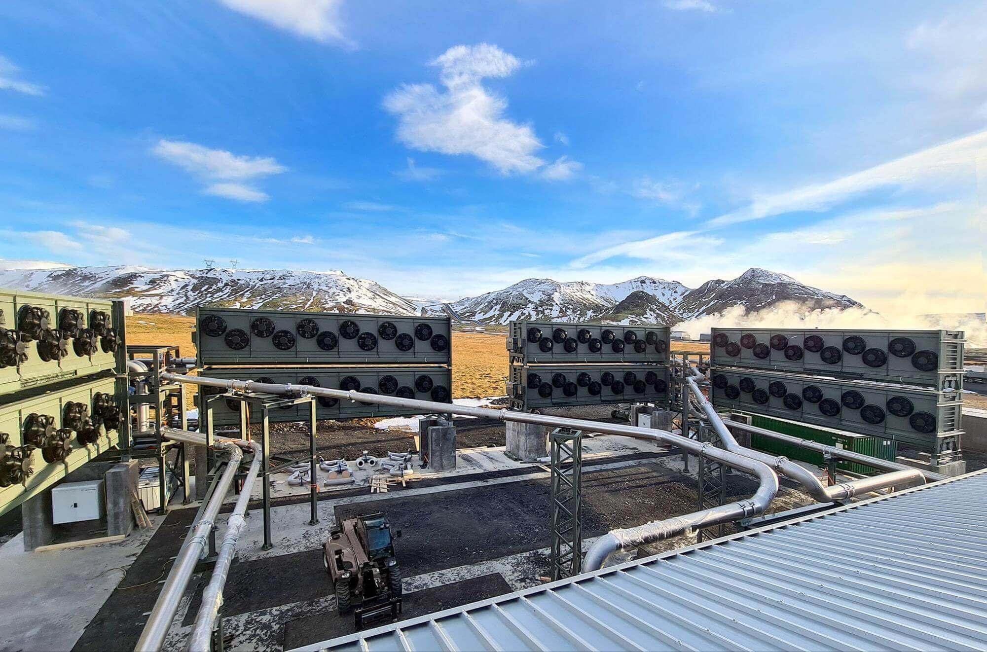 """L'usine """"Orca"""" en Islande filtre chaque année environ 4 000 tonnes de CO₂ de l'air. Climeworks"""