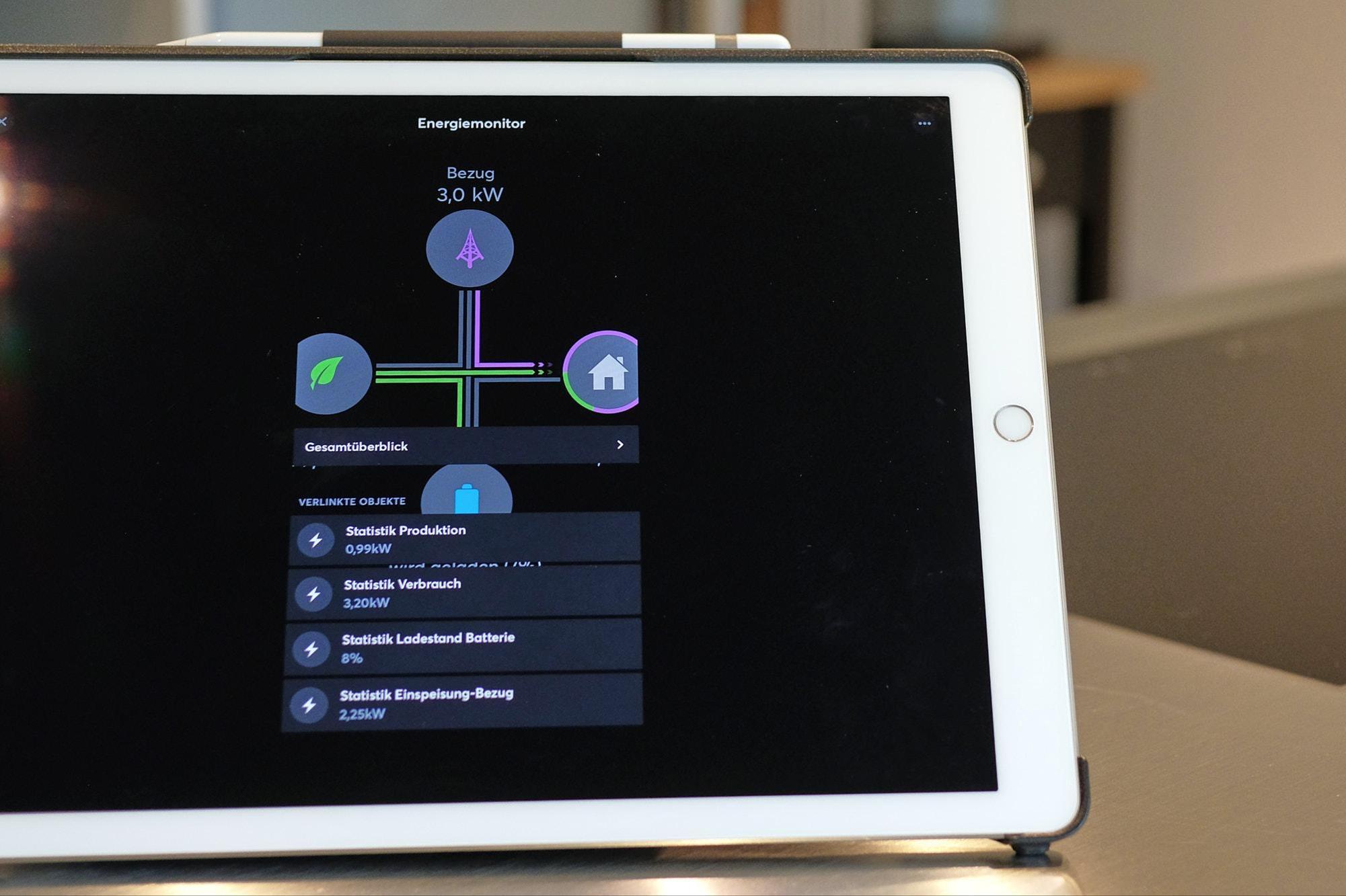 La tablette fournit également des informations actualisées sur l'état des systèmes, par exemple, sur la source qui consomme le plus d'énergie. Jan Graber