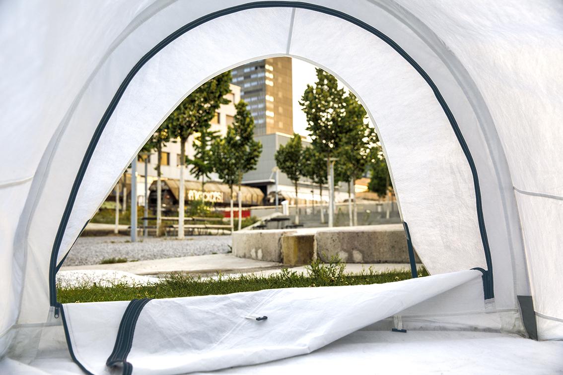 Deux tentes solides fabriquées à partir de matériaux recyclés niuway d'une valeur de 260 francs chacune sont à gagner.