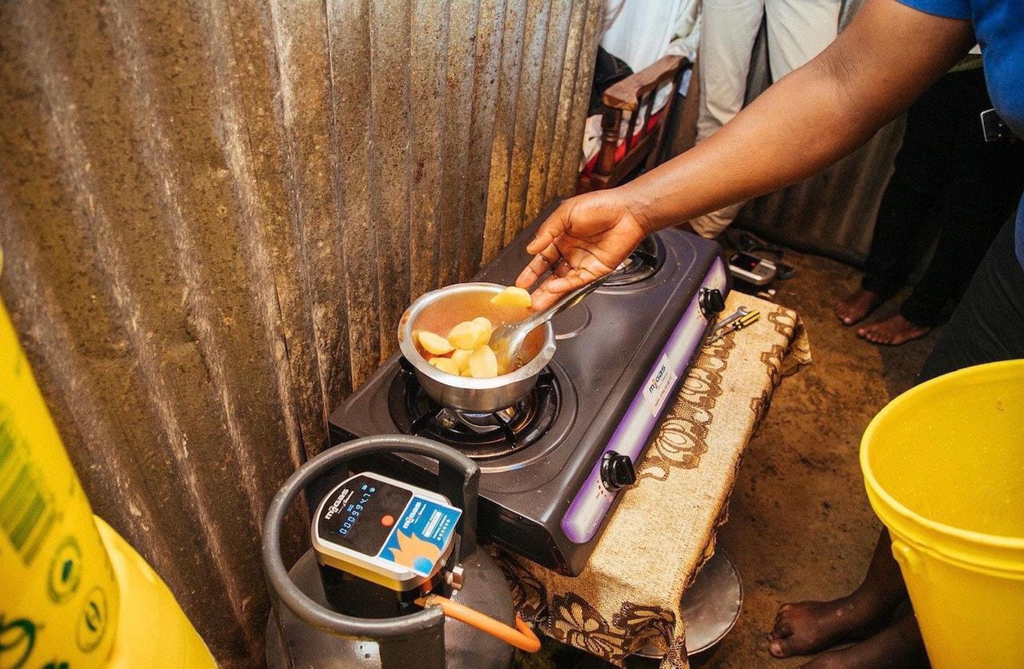 Die Clean Cooking Alliance fördert mit Hilfe von Mikrokrediten den Kauf sauberer Kochherde. Clean Cooking Alliance