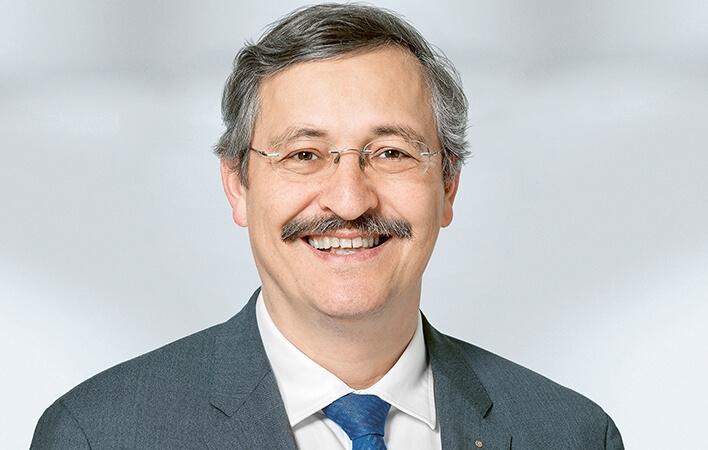 Michael Hengartner beleuchtet die Herausforderungen der Wissenschaft bei der Energiewende an der Eröffnungsveranstaltung.