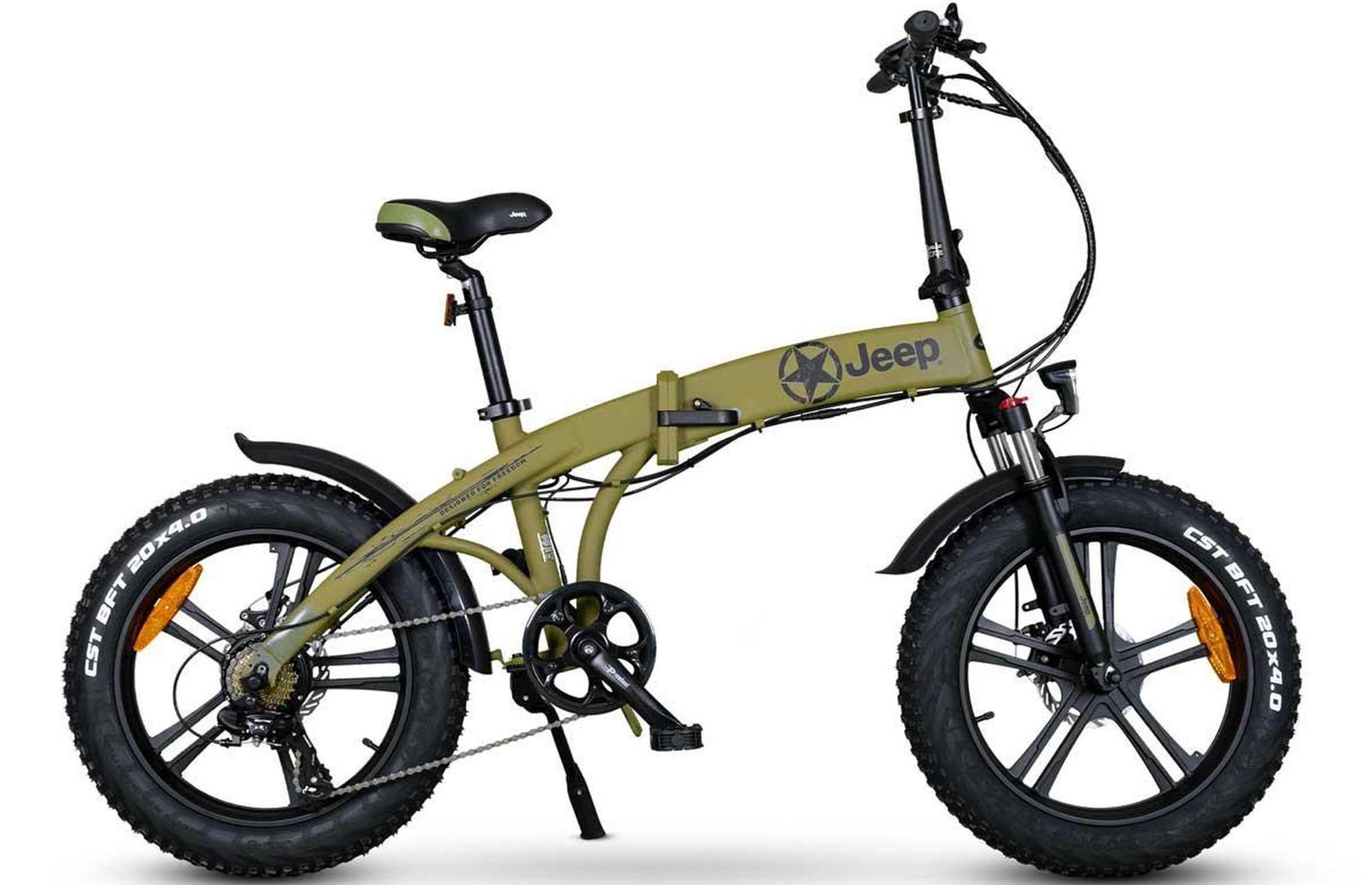 Falträder sind wieder im Kommen, da viele Pendlerinnen und Pendler sie nutzen. Jeep